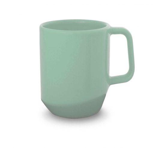 žalias keramikinis puodelis