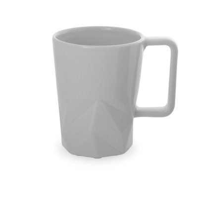 baltas keramikinis puodelis