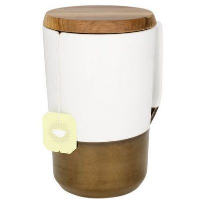 puodelis su mediniu dangteliu