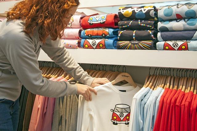 marškinėliai su logotipu, logotipas, maikutė