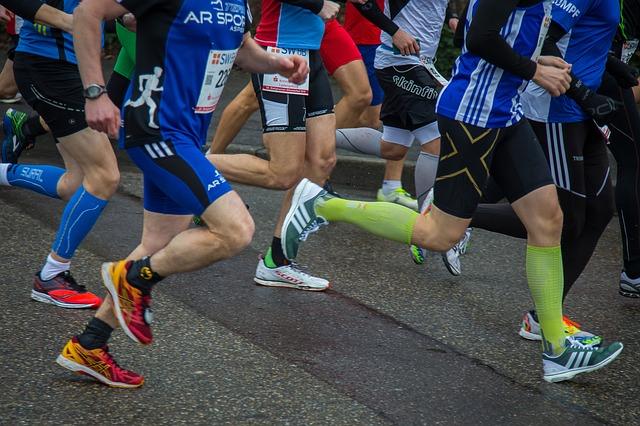 Spauda ant džemperių, bėgimo varžybos, maratonas