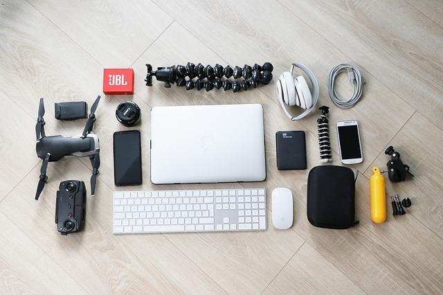 Orginalios verslo dovanos, ausinės, kompiuteris